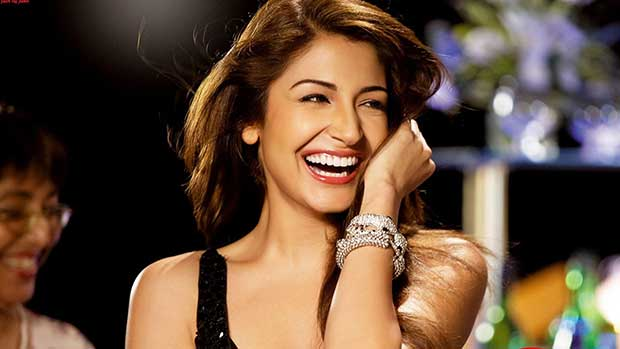 Anushka-sharma-Big-smile-hd-photos