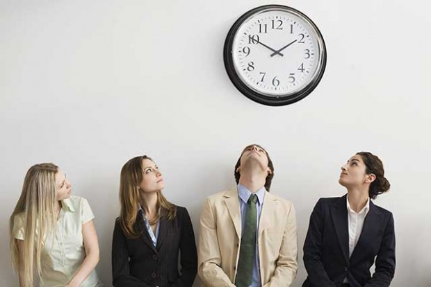 Interviewees-looking-at-clock