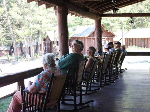 rocking-chairs-on-porch-2